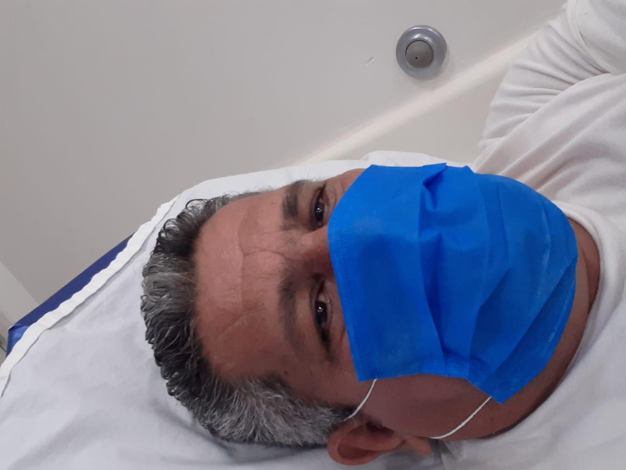 Periodista Emiliano Chamorro, con síntomas de COVID-19, llama a los nicaragüenses a «ayudar otras personas que atraviesan esta crisis de salud publica». Foto: Cortesía / Artículo 66