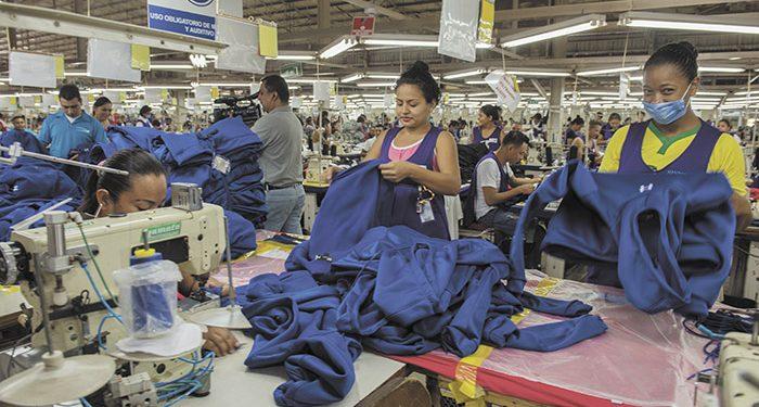 Empresas de zonas francas despiden a más de 5,000 trabajadores y mandan a sus casas a 23 mil bajo la modalidad de suspensión colectiva. Foto: La Prensa
