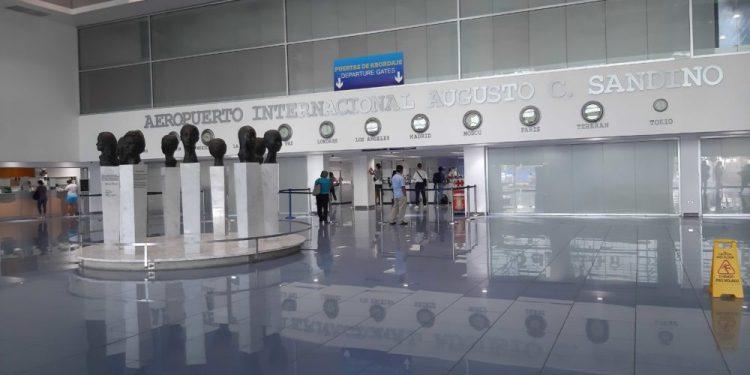 Las aerolíneas que operan en Nicaragua dan más largas y anuncian que reanudarán sus servicios hasta en agosto. Foto: La Prensa