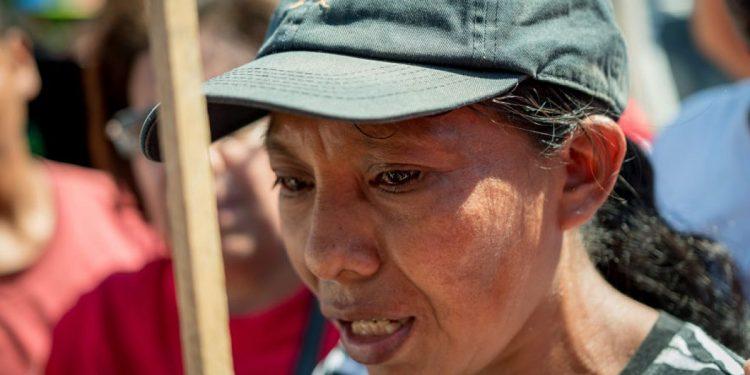 Lanzan campaña para construir casa a Elea Valle, la campesina que denuncia que el Ejército mató a su familia