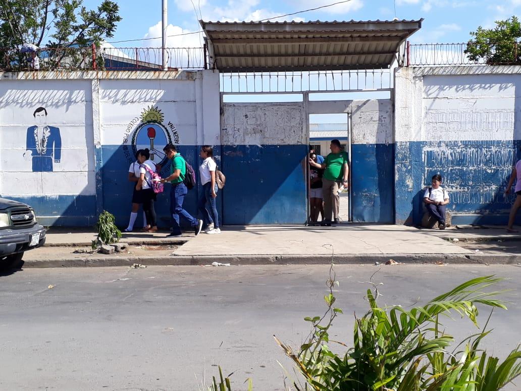 Colegios públicos mantienen sus puertas abiertas pese a la pandemia del COVID-19. Foto: Cortesía