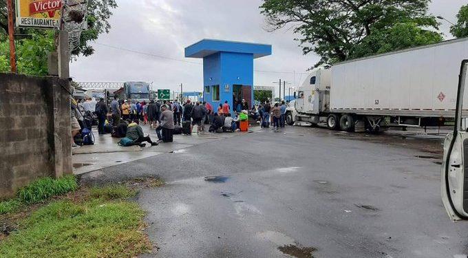 Dictadura impide el ingreso al país de 120 nicaraguenses que se encuentran varados en Peñas Blancas. Foto: Cortesía