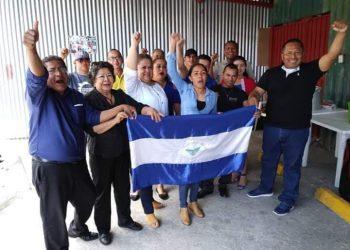 Profesores en el exilio conmemoran el Día del Maestro exigiendo justicia y libertad para Nicaragua. Foto: Cortesía