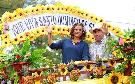 Alcaldesa orteguista se impone como «mayordoma de facto» de las fiestas de Santo Domingo de Guzmán. Foto: Tomada de Internet