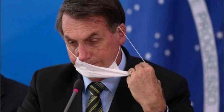El presidente de Brasil, Jair Bolsonaro, da positivo a COVID-19. Foto: Tomada de la web