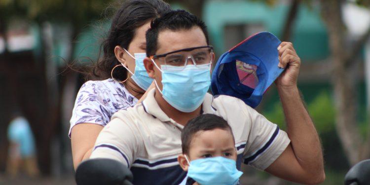Asociaciones médicas llaman a «no bajar la guardia» ante falsa normalidad del COVID-19. Foto: A. Navarro/Artículo 66