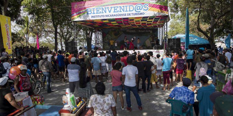 """OPS se """"alegra"""" por disminución de """"celebraciones"""" en Nicaragua, obviando los festines culturales y deportivos promovidos por el régimen"""