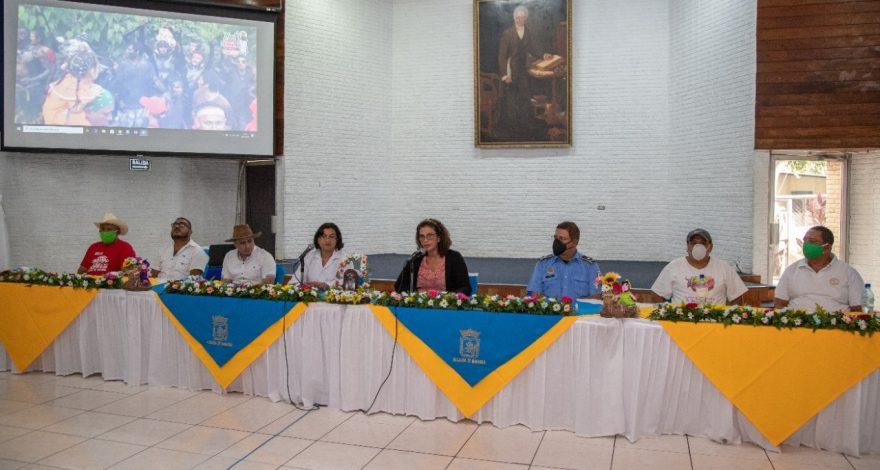 Conferencia de prensa en la que Reyna Rueda anunció la realización de actividades patronales de Santo Domingo de Guzmán. Foto: Tomada del Facebook
