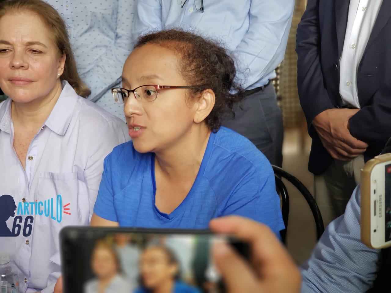Tras la excarcelación, Lucía Pineda Ubau. Foto: G. Shiffman / Artículo 66
