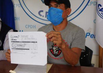 Taxista de Managua denuncia que cuatro policías le robaron su celular. Foto: Cortesía/CPDH