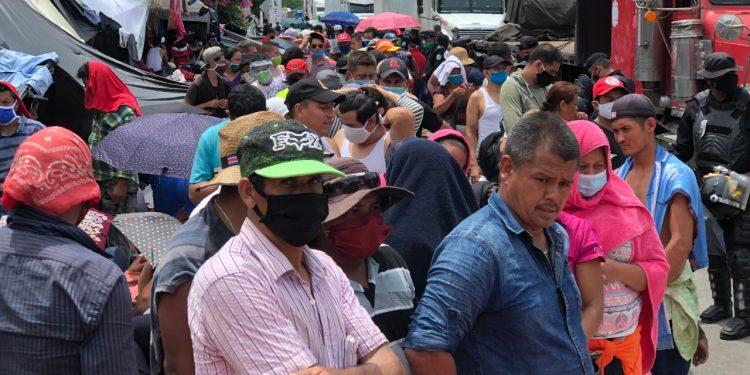 Unidad Azul y Blanco gestiona pruebas de COVID-19 para migrantes trancados en Peñas Blancas. Foto: Nicaragua Actual