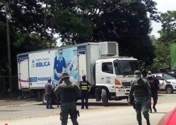 Clínica Móvil se instala en Peñas Blancas para realizar prueba de COVID-19 a migrantes nicas. Foto: Cortesía