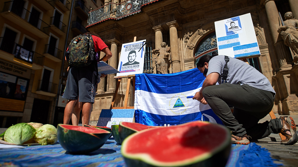 Nicas en España realizan plantón por jinotegano que murió por un golpe de calor. Foto: Cortesía