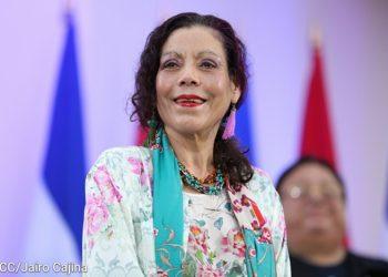 Rosario Murillo manda a su ministra de Salud a vender el sueño de la vacuna «Sputnik V» ante la CELAC