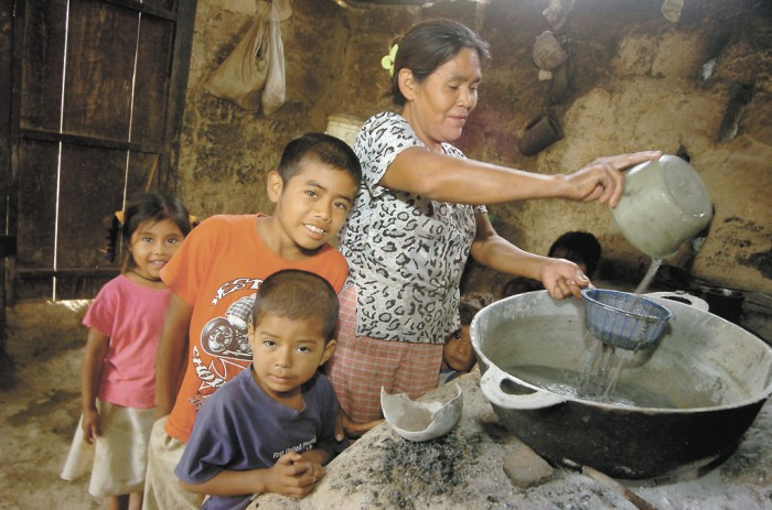 El endeudamiento del gobierno de Ortega produce más pobreza en el país. Foto: VosTV