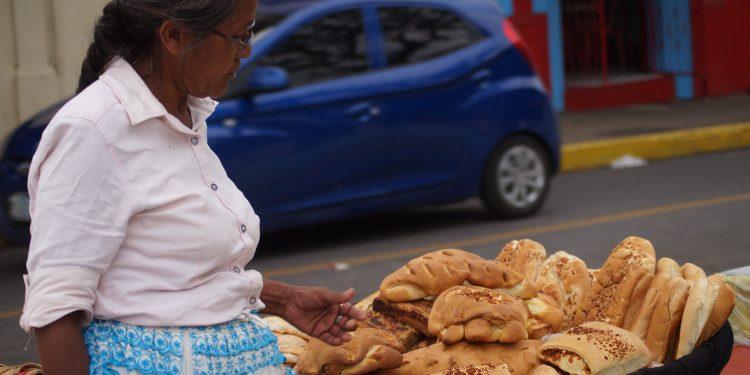 Aumento del precio del pan refleja crisis en la microeconomía. Foto: A. Navarro / Artículo 66