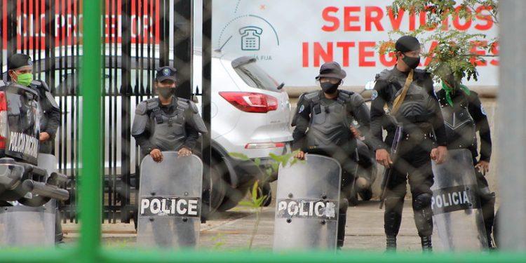 Policía orteguista, la principal agresora de periodistas independientes de Nicaragua. Foto:Artículo 66