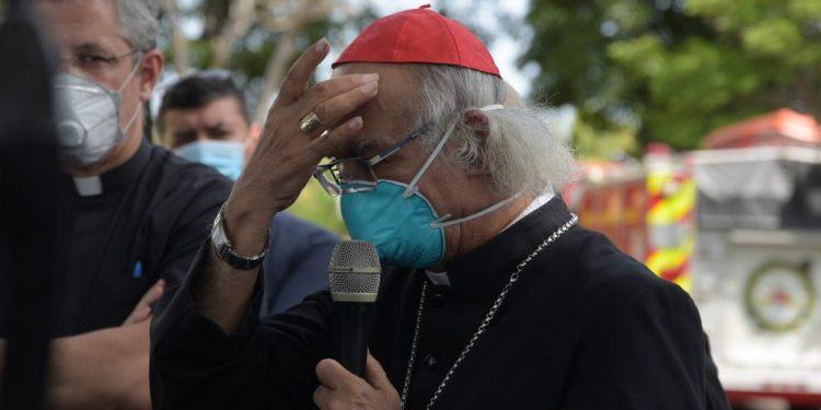 Cardenal Leopoldo Brenes convoca a rogativa y silencio como desagravio a la Sangre de Cristo