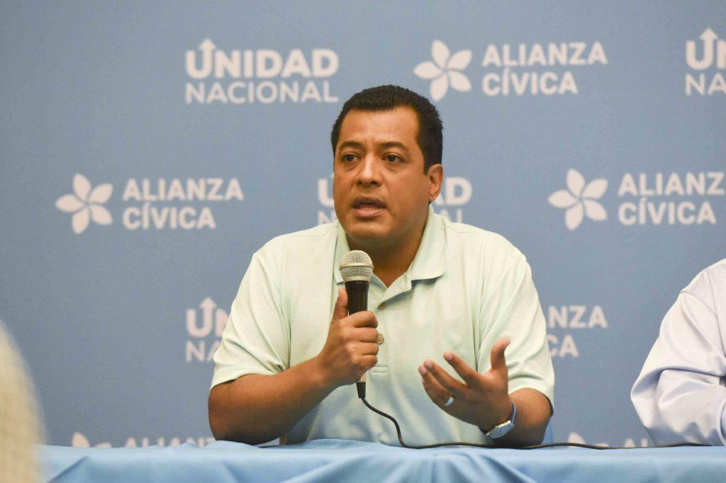 Félix Maradiaga rechaza decisión de su «aliado» Brooklyn Rivera de votar con el FSLN