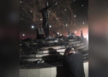 Policía orteguista descarta que artefactos explosivos hayan provocado la destrucción de la capilla de la Sangre de Cristo. Foto: Óscar Navarrete/La Prensa