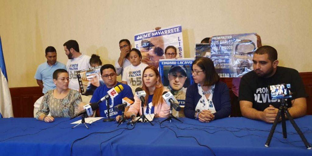 Policía orteguista asedió por varias horas a miembros de la UNAB en Estelí. Foto: Artículo 66