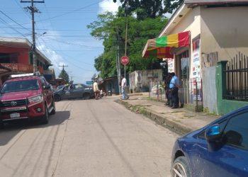 Policía asedia Radio La Costeñísima y la casa de su jefa de prensa. Fotos: Cortesía