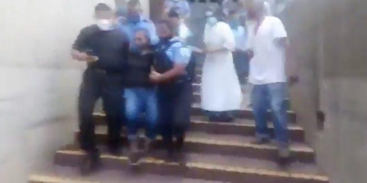 Xiomara Castro fue sacada con violencia por la Policía para testificar por el ataque terrorista en Catedral.