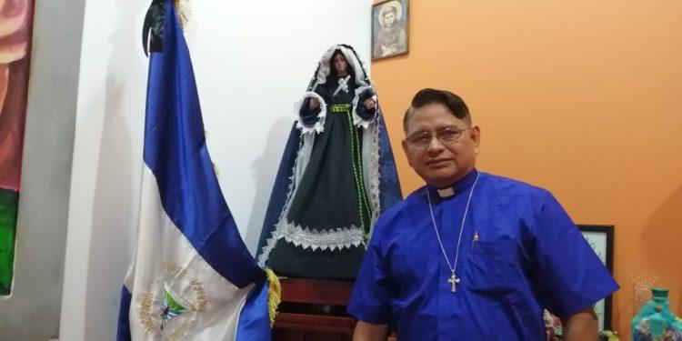 """Nicaragua es víctima de una dictadura demoníaca"", afirma párroco de la Iglesia San Juan Bautista, de Masaya"