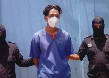 Policía de Ortega niega haber golpeado a una estilista de Masaya, pero presenta a un supuesto agresor que la víctima desconoce