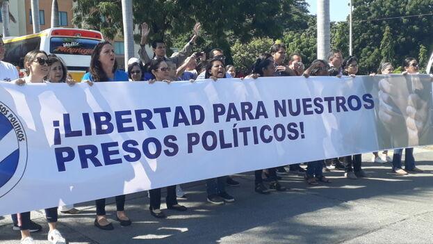 Exigen pronta libertad de presos políticos graves de salud y que no son llevados al hospital