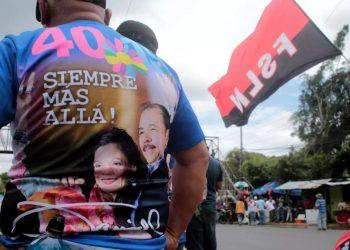 Servilismo y sapocracia. Foto: Reuters