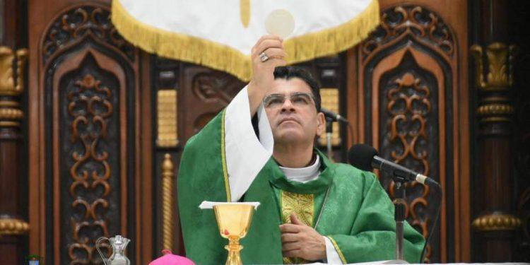 Rolando Álvares: «La obra de Satanás es la división, el engaño y la mentira» Foto: Artículo 66 / Diócesis Media
