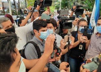 Más de un centenar de periodistas han perdido la vida por COVID-19 en la región. Foto: Artículo 66.