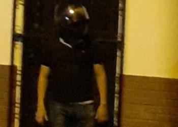 Paramilitares asediaron apedrearon la casa del exreo político Bayron Corea Estrada . Foto: Cortesía