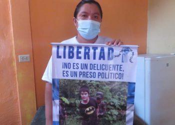 Autoridades de la Modelo dejan ver a Cristian Meneses y a Hader González solo por fotografías. Noel Miranda / Artículo 66