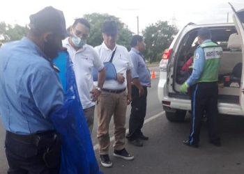 Policía del régimen persigue y acosa a opositores en sus viajes organizativos. Foto: Cortesía.