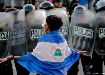 Organizaciones opositoras golpean la mesa de la OEA para exigir ilegitimidad de Ortega. Foto: Tomada de internet
