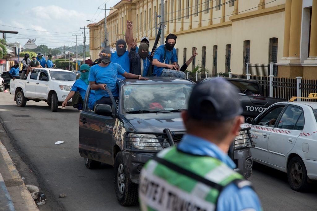 Régimen de Ortega gastó más de cuatro millones de dólares en vehículos durante la represión. Foto: Confidencial | Carlos Herrera.