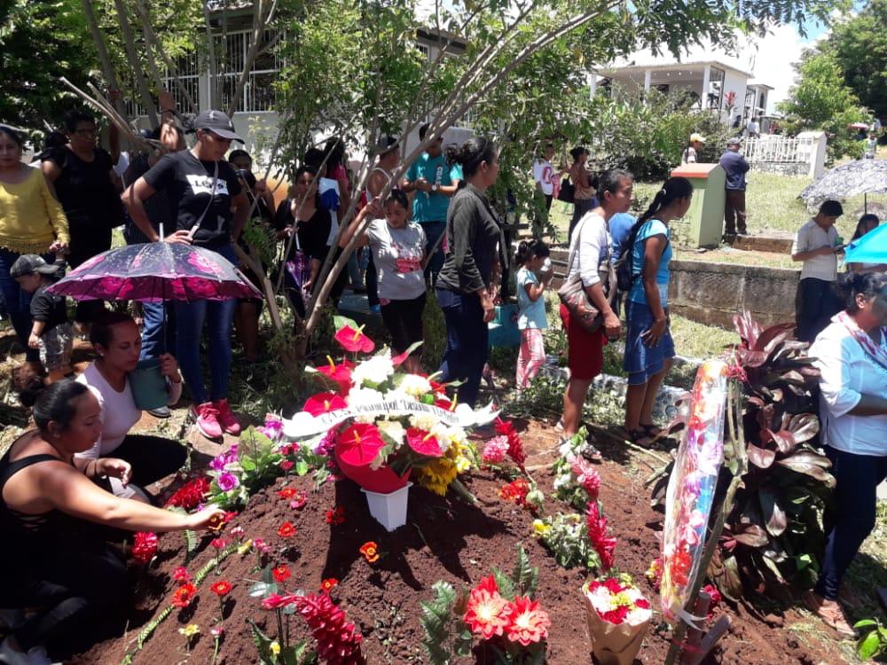 «ALERTA, nos están matando»: 57 femicidios en lo que va del año. Foto: Notimatv.