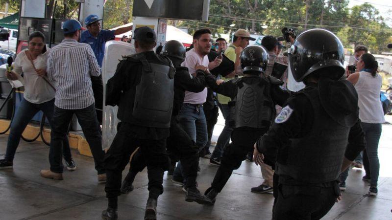 PCIN condena «Ley del Bozal» y considera recurrir por insconstitucionalidad. Foto: AFP.