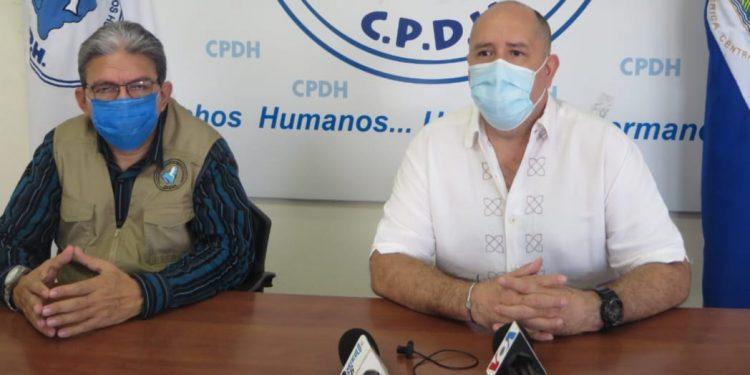 Ciudadano leonés denuncia asedio que hasta ha enfermado a su familia. Foto: N. Miranda/Artículo 66