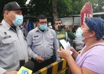 Familiares de presos políticos llegan a la Modelo para saber si es cierto el discurso de Ortega. Foto: Noel Miranda / Artículo 66