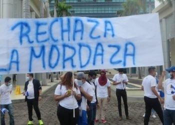 Jóvenes protestan contra la Ley Mordaza. Foto: Cortesía