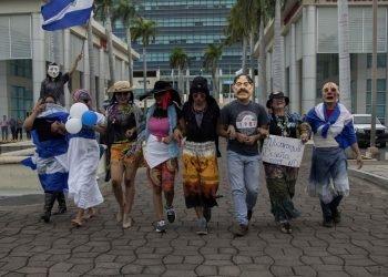 Preparan «III Marcha de la Burla»: «Un güegüense en dictadura. Sonreír es Resistir». Foto: Artículo 66/ EFE.