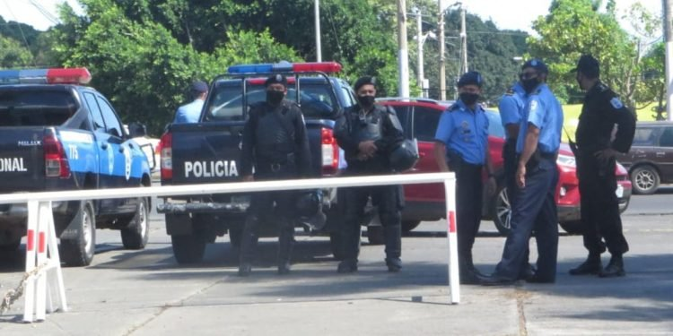 Coalición Nacional realizó asamblea departamental en Managua bajo asedio policial. Foto: Noel Miranda / Artículo 66