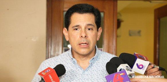 Diputado Wálmaro Gutiérrez, presidente de la Comisión Económica de la Asamblea Nacional