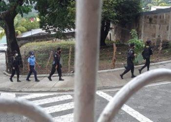 Asedian a activistas de la Alianza Cívica que recolectan ayuda para damnificados por ETA. Foto: Artículo 66 Cortesía