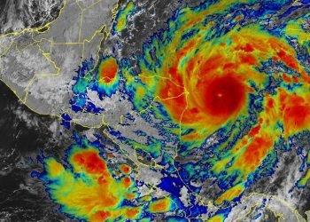 ETA, convertido en categoría 3, se acerca a Nicaragua
