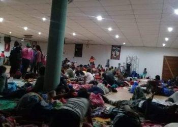 Refugiados por el huracán Eta reclaman al gobierno de Ortega por falta de agua, alimentos y frazadas. Foto: Cortesía.