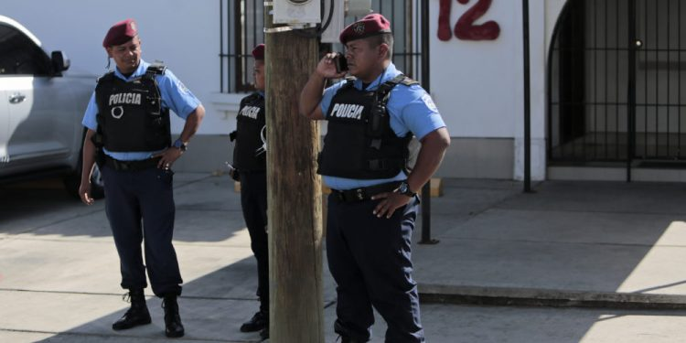 Bienes embargados del Canal 12 podría ser subastados en las próximos semanas. Foto: La Prensa.